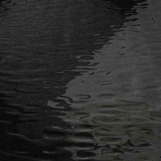 Фон, текстура темная вода