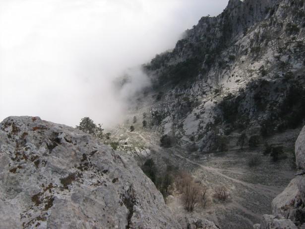 горы, туман, дорога в горах, Крым, Крымские горы,  фотография, картинка высокого разрешения